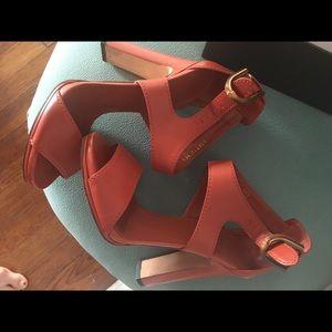 Gucci sandals size 39 (8.5)